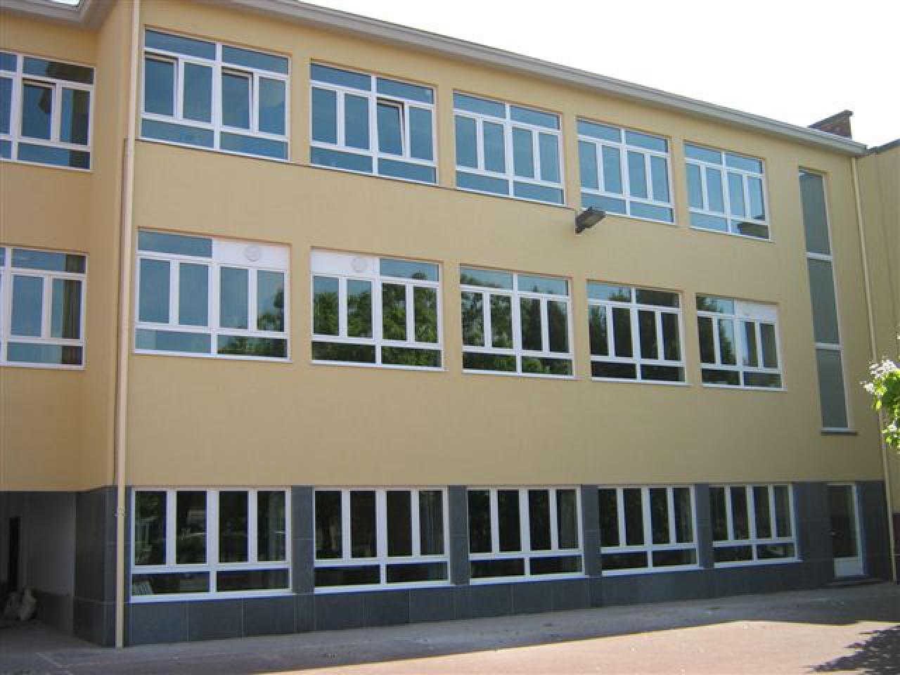 Rénovation des façades d'un bâtiment scolaire